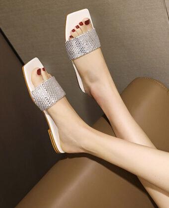 Mujeres de gran tamaño con diamantes de imitación casuales abiertos con punta cuadrada y raya plana zapatillas.